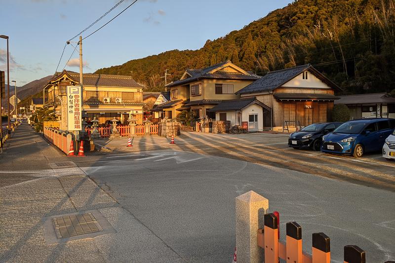 白鬚神社 駐車場