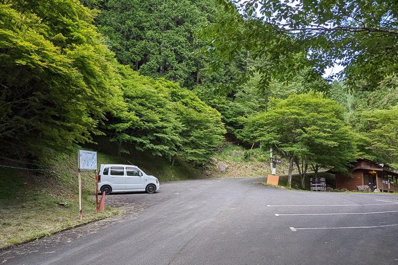 竜神の滝駐車場